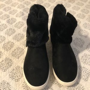 Sugar Black Boot w/ Faux Fur